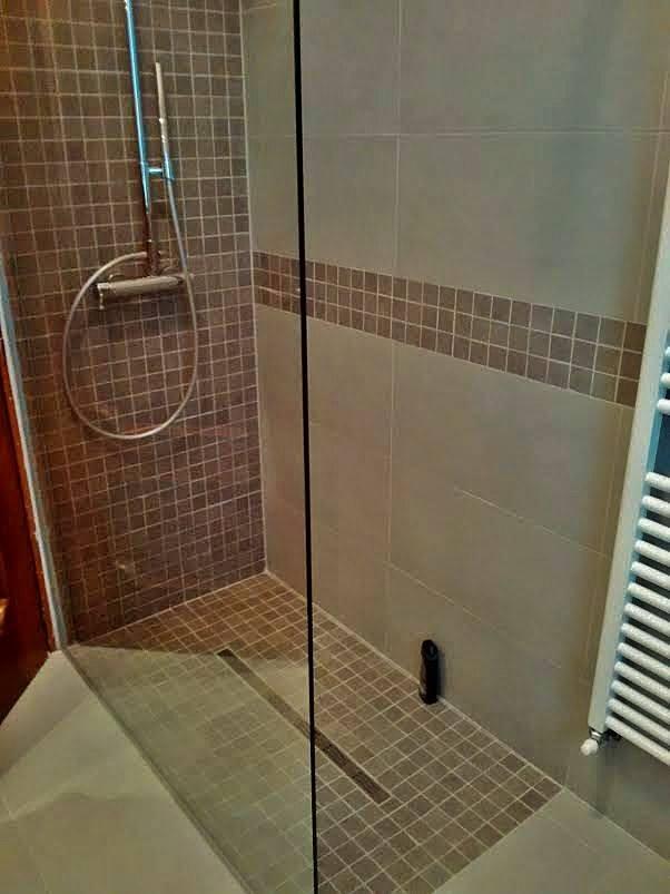 Box doccia con piastrelle marroni box doccia torino - Foto di bagni con doccia ...