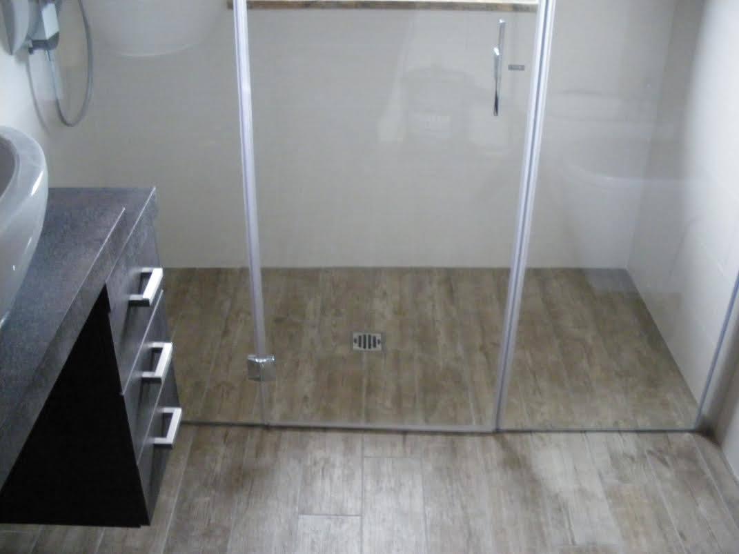 Box doccia pavimento in legno box doccia torino - Doccia a pavimento costi ...