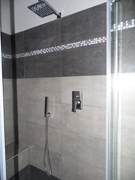 Box doccia con sedile e ampio soffione box doccia torino - Box doccia con sedile ...